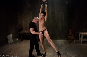 Brunette doesn't know what kind of fun s - XXX Dessert - Picture 3