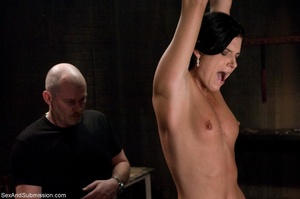 Brunette doesn't know what kind of fun s - XXX Dessert - Picture 4