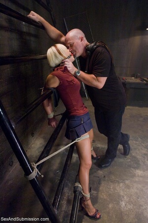 Dominant male uses ropes and black vibra - XXX Dessert - Picture 2