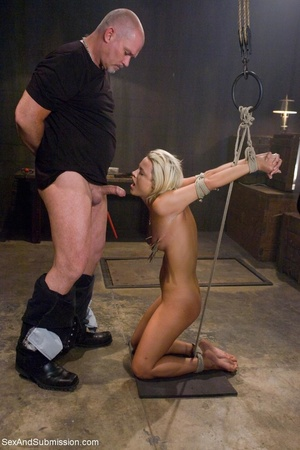 Dominant male uses ropes and black vibra - XXX Dessert - Picture 6