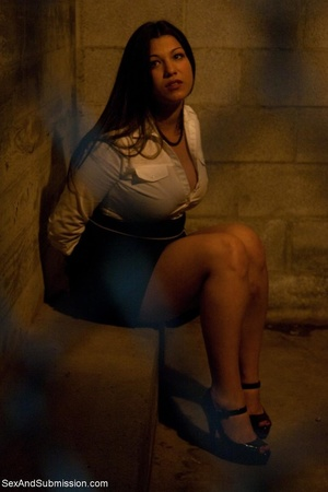 Modest lady took part in BDSM scene afte - XXX Dessert - Picture 3