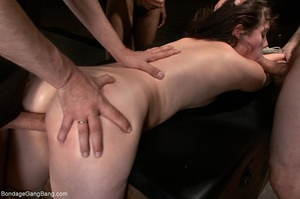 Fair-skinned filly finds her holes fille - XXX Dessert - Picture 8