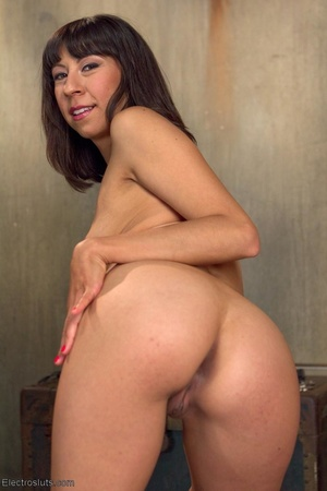 Middle eastern girls nude pictures