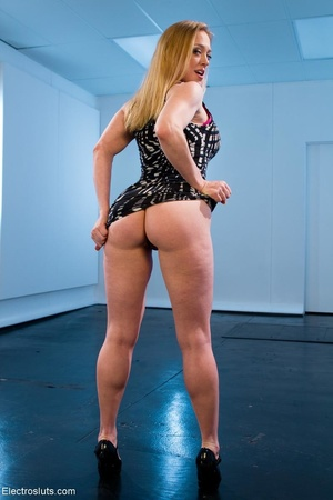 Mean Mistress slaps and four-fingers her - XXX Dessert - Picture 1