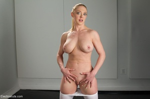 Bossy Domme in a black fedora lays down  - XXX Dessert - Picture 4