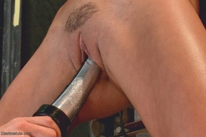 Sexy submissive gets a real charge out o - XXX Dessert - Picture 7