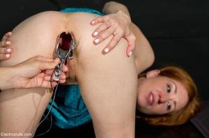 Once her flirty dress is off, an ass spr - XXX Dessert - Picture 9
