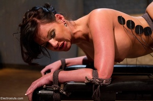 Mistress takes her time wiring her submi - XXX Dessert - Picture 10