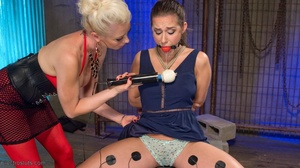 Electro-sex and a fake black cock keep a - XXX Dessert - Picture 5