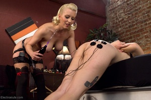 Blonde's nether holes experience everyth - XXX Dessert - Picture 12