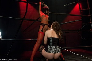 Ebony beauty in red stockings succumbs t - XXX Dessert - Picture 10