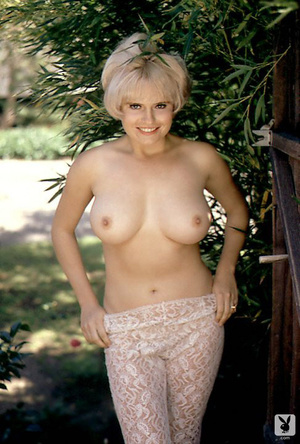 Sweet 60's Playboy blonde model with hug - XXX Dessert - Picture 12
