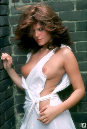 70's brunette chick with natural tits sh - XXX Dessert - Picture 1