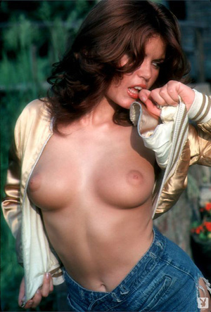 70's brunette chick with natural tits sh - XXX Dessert - Picture 3