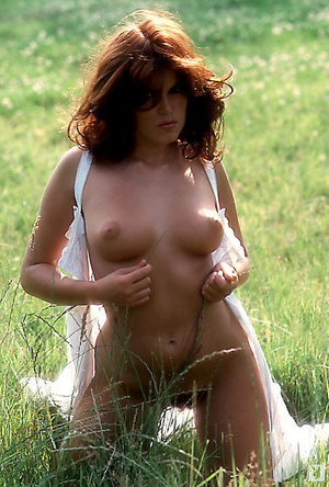 70's brunette chick with natural tits sh - XXX Dessert - Picture 9