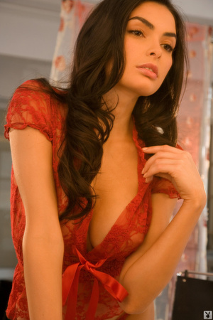 Brunette cutie in red showing off with p - XXX Dessert - Picture 6