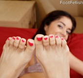 Pettie beauty gives sweet foot job and gets toes sucked and pussy pounded