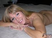 mature blonde pose her