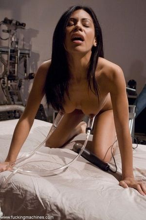 Hot Latina babe is ready to satisfy her  - XXX Dessert - Picture 9