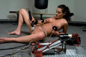 Busty slut with big tits working out and - XXX Dessert - Picture 9