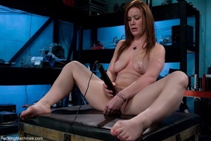 Curvy darling with big boobs gets fucked - XXX Dessert - Picture 2