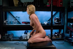 Blonde girl with a perfect natural body  - XXX Dessert - Picture 8
