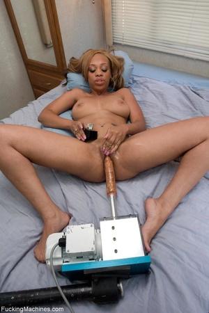 Inked ebony honey teasing her fine twat  - XXX Dessert - Picture 5