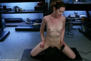 Petite gal rides a sybian and enjoys dri - XXX Dessert - Picture 15