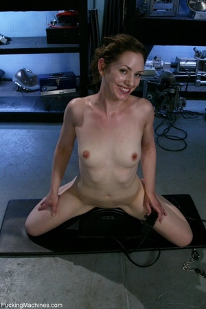 Petite gal rides a sybian and enjoys dri - XXX Dessert - Picture 16
