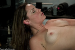 Curvy darling needs many sex toys to ple - XXX Dessert - Picture 2