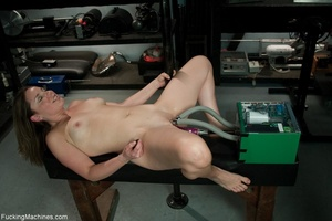 Curvy darling needs many sex toys to ple - XXX Dessert - Picture 3