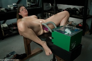 Curvy darling needs many sex toys to ple - XXX Dessert - Picture 4