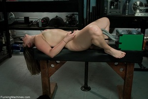 Curvy darling needs many sex toys to ple - XXX Dessert - Picture 6
