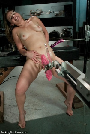 Curvy darling needs many sex toys to ple - XXX Dessert - Picture 12