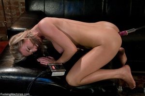 Petite blondie with natural body drillin - XXX Dessert - Picture 6