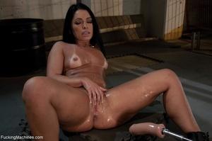 Impressive Brazilian slut with curvy ass - XXX Dessert - Picture 17