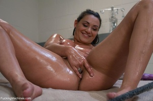 Curvy brunette gal gets oiled and drille - XXX Dessert - Picture 5