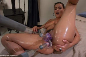 Curvy brunette gal gets oiled and drille - XXX Dessert - Picture 7