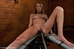 Long haired blonde gal wants to get off  - XXX Dessert - Picture 6