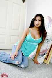 ravishing asian beauty jeans