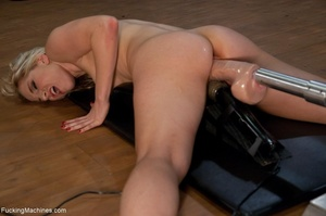 Blonde bitch needs so many sex toys to s - XXX Dessert - Picture 5