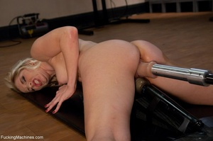 Blonde bitch needs so many sex toys to s - XXX Dessert - Picture 8