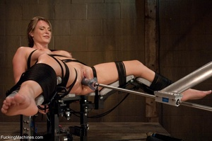 Tied up blonde honey getting her smooth  - XXX Dessert - Picture 9
