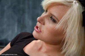 Short haired blonde loves to get so naug - XXX Dessert - Picture 8