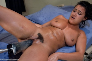 Brunette with a trimmed pussy using so m - XXX Dessert - Picture 8