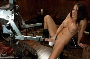 Cowgirl with a trimmed cunt gets rammed  - XXX Dessert - Picture 3