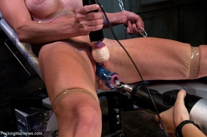 Oiled up bitch is ready to test all her  - XXX Dessert - Picture 3