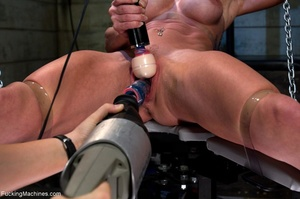 Oiled up bitch is ready to test all her  - XXX Dessert - Picture 4