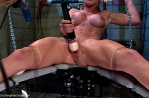 Oiled up bitch is ready to test all her  - XXX Dessert - Picture 5
