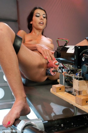 Slim dark haired lady drilling her both  - XXX Dessert - Picture 6